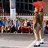 Indien, Grenzschließungszeremonie Attari/Wagah